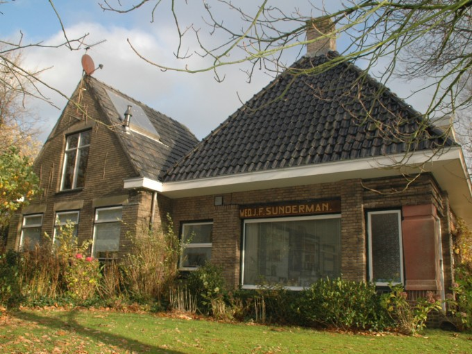 Winkel/woonhuis Roderwolde