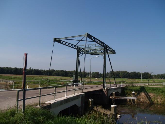 Ophaalbrug Bronnegerveen