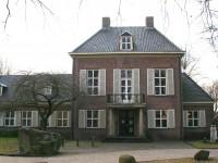 Voormalig gemeentehuis Diever met brandweergarage